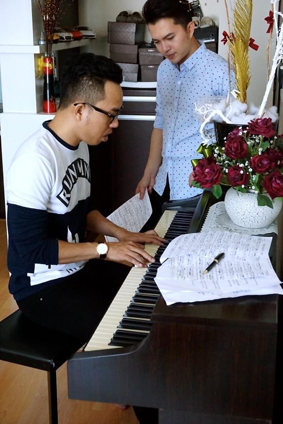 Nam Cường nhiều lần đến tận nhà của nhạc sĩđể tập luyện cùng anh. - Tin sao Viet - Tin tuc sao Viet - Scandal sao Viet - Tin tuc cua Sao - Tin cua Sao