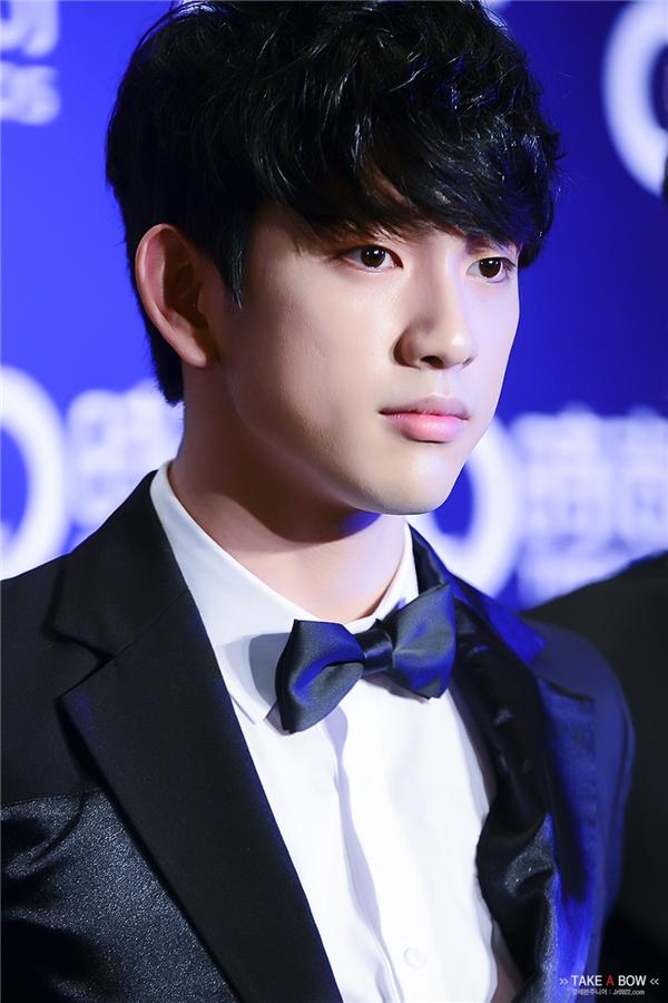 Thần tượng Kpop dự đoán tỏa sáng trên màn ảnh Hàn năm 2016