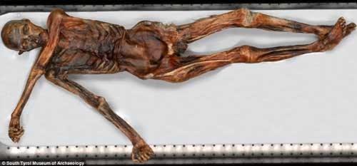 Người băng Otzi gắn liền vớilời nguyền xác ướpchấn động thế giới, được cho là đã gây ra nhiều cái chết bí ẩn. Xác ướp người băng Ötzi được tìm thấy ngày 19/9/1991 tại một sông băng ở Ötztal Alps, gần biên giới giữa Áo và Italy.