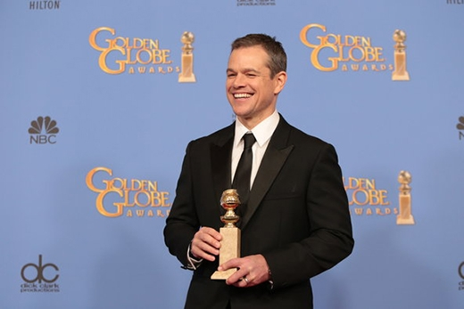 Matt Damon nhận giải thưởngDiễn viên chính xuất sắc nhất ở hạng mục phim hài, ca nhạc.(Ảnh: Monica Almeida)