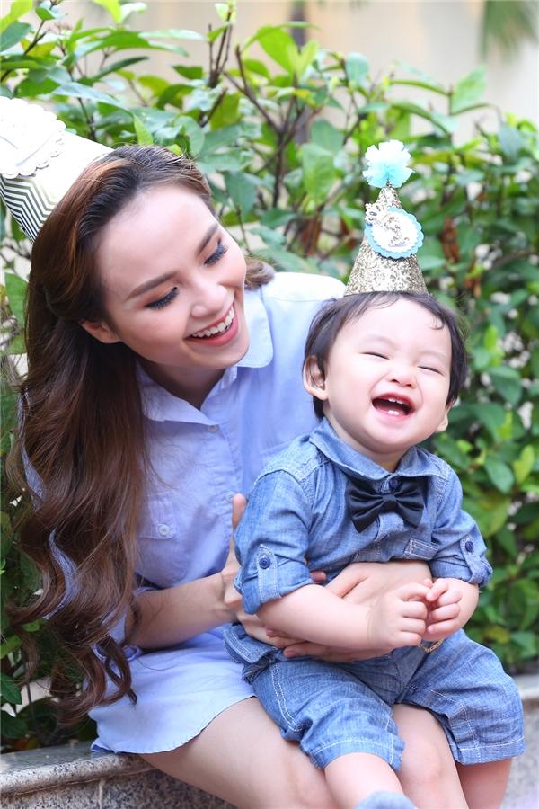 Nụ cười dễ thương cùng bốn chiếc răng thỏ đáng yêu của Noah - Tin sao Viet - Tin tuc sao Viet - Scandal sao Viet - Tin tuc cua Sao - Tin cua Sao
