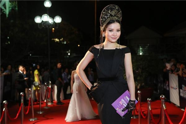 """2015 là năm Phương Trinh Jolie """"lột xác"""" hoàn toàn từ phong cách đến âm nhạc để trở nên cá tính và quyến rũ hơn. - Tin sao Viet - Tin tuc sao Viet - Scandal sao Viet - Tin tuc cua Sao - Tin cua Sao"""