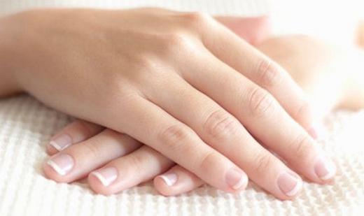 Đôi bàn tay cũng là một nét đẹp được chú ý nhiều ở phụ nữ. (Ảnh: Internet)