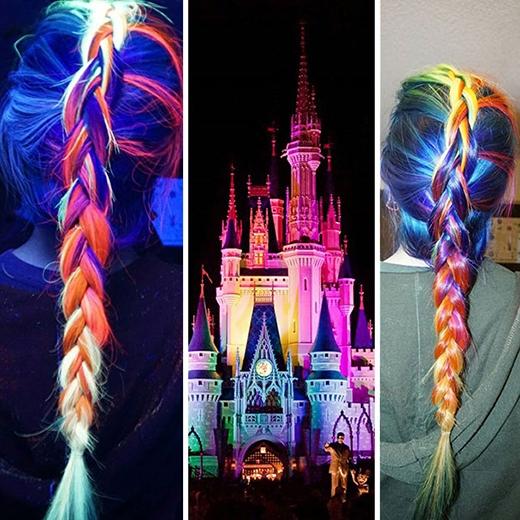 Mái tóc sặc sỡ sắc màulấy cảm hứng từ lâu đài củaLọ Lem. (Ảnh: Boredpanda)