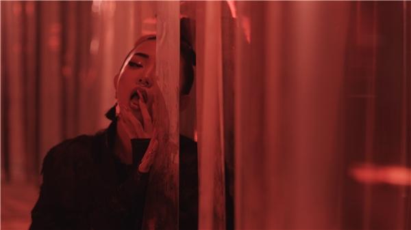 MV sẽ chính thức ra mắt vào ngày 20-1 sắp tới,sau khi Tóc Tiên hoàn tất chuyến tham gia các sự kiện quốc tế tại Thượng Hải và Mỹ. - Tin sao Viet - Tin tuc sao Viet - Scandal sao Viet - Tin tuc cua Sao - Tin cua Sao