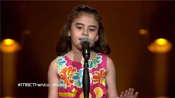 Triệu người rơi lệ với cô bé Syria hát về chiến tranh