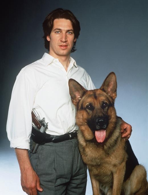 Rex - Chú chó thám tử:Bộ phim kể về chú chó cảnh sát có tên Rexcùng các cộng sự là con người.Rex chuyên điều tra các vụ án giết người, khiến khán giả say mê vì sự thông minh và dũng cảm của nhân vật 4 chân này. (Ảnh: Internet)