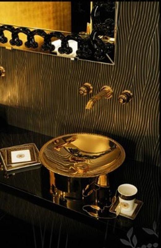 Phòng tắm siêu sang có giá gần 1 tỉ đồng.(Ảnh:Luxury Launches)
