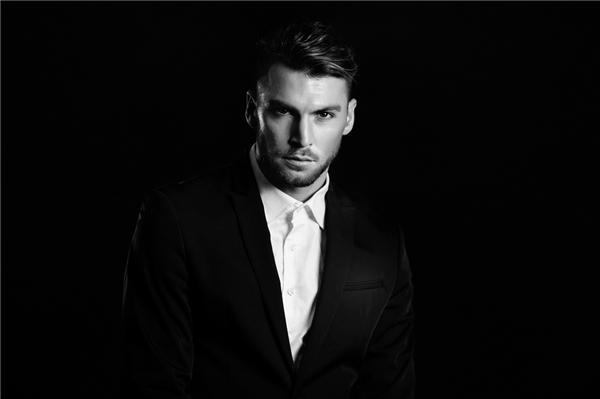 Sở hữu chiều cao 1m89 cùng ngoại hìnhđiển trai, khánhiều người liên tưởng Marko Simic là diễn viên điện ảnh hay người mẫu hơn là cầu thủ bóng đá. (Ảnh: Internet)