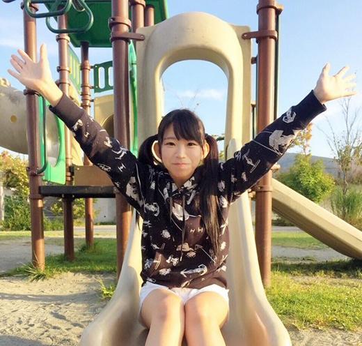 Marinacó tâm hồnrất nhí nhảnh, vô tư như trẻ con rất hợp với ngoại hình củamình.(Ảnh: nagasawa_marina)