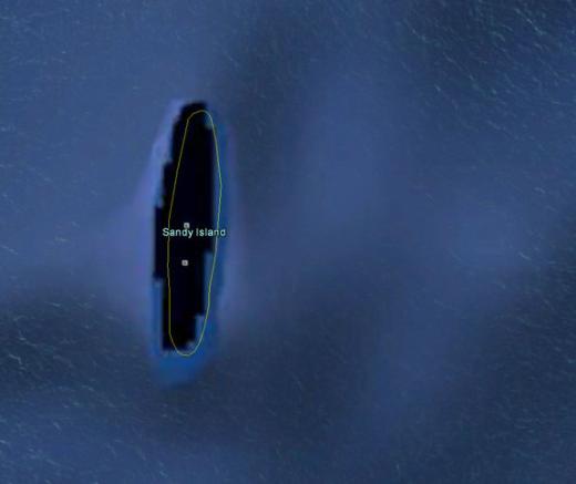 """Trong một thời gian dài, người ta thấy trên các tấm bản đồ, trong đó có Google Maps một hòn đảo nằm ở nam Thái Bình Dương có tên Sandy Island. Mọi người mặc định nó tồn tại cho đến năm 2012, khi các nhà thám hiểm đến đúng tọa độ này và phát hiện... không có gì cả. Các nhà khoa học cho rằng """"hòn đảo ma"""" này thực chất chỉ là một đám phù du khổng lồ vô tình trôi ngang và bị vệ tinh chụp lại. (Ảnh: Internet)"""