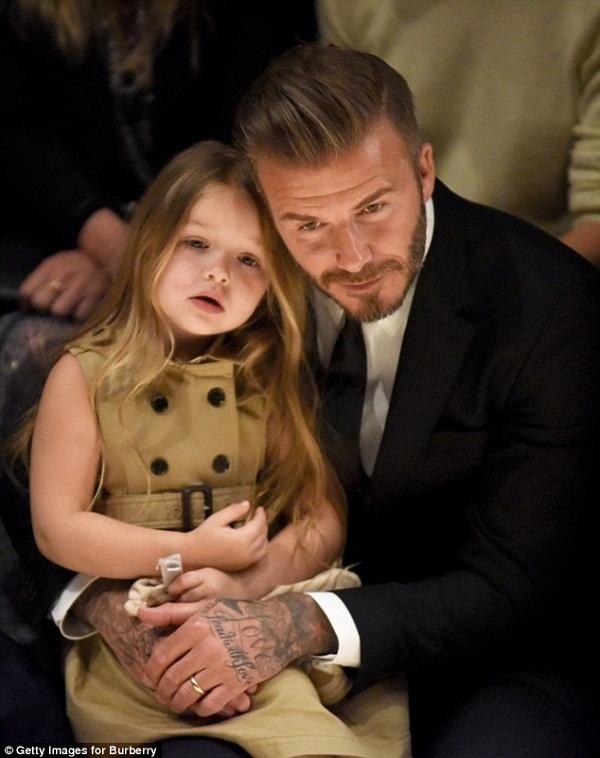 Beckham hết mực cưng chiều cô út Harper Seven. (Ảnh Internet)