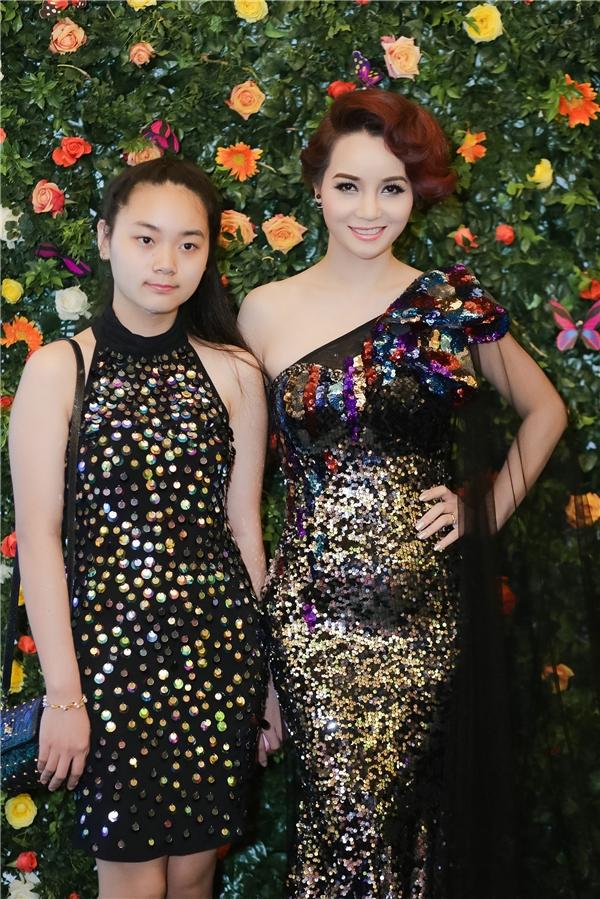 Mai Thu Huyền đi dự sự kiện cùng con gái. - Tin sao Viet - Tin tuc sao Viet - Scandal sao Viet - Tin tuc cua Sao - Tin cua Sao