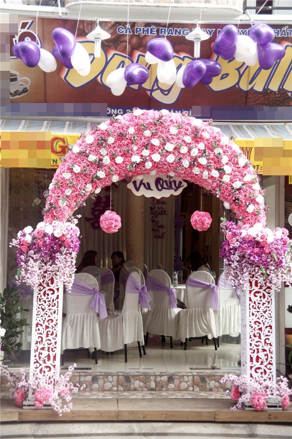 Trước đó, cặp đôi này đã tổ chức lễ đính hôn vào tháng 10 năm ngoái và hiện có một nàng công chúa 9 tháng tuổi. - Tin sao Viet - Tin tuc sao Viet - Scandal sao Viet - Tin tuc cua Sao - Tin cua Sao