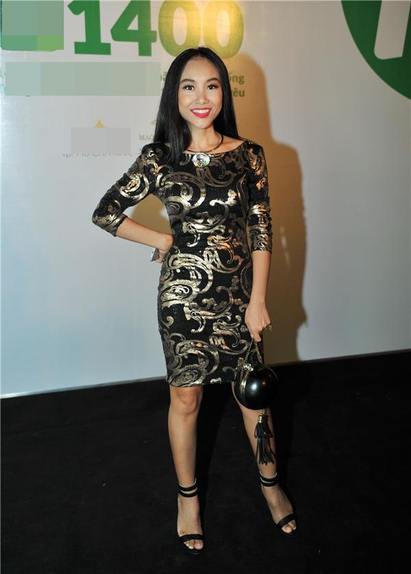 Đoan Trang xuất hiện đầy cá tính với phong cách thời trang đậm chất riêng của mình. - Tin sao Viet - Tin tuc sao Viet - Scandal sao Viet - Tin tuc cua Sao - Tin cua Sao