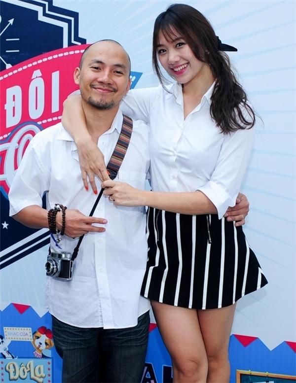 Thời trang đồng điệu siêu đáng yêu của Hari Won - Tiến Đạt