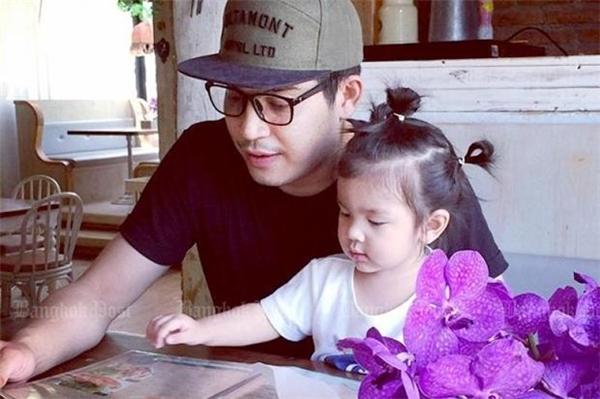 Por Tridsadee Sahawong và con gái