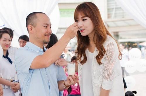 Điểm lại những khoảnh khắc hạnh phúc của Hari Won và Tiến Đạt
