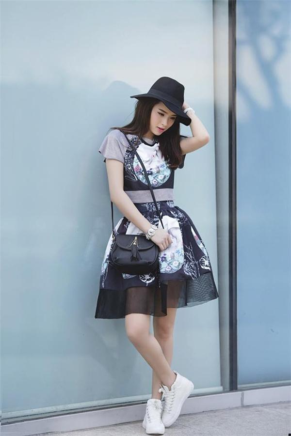 Gu thời trang thường nhật của Hải Băng biến hóa như tắc kè hoa từ trẻ trung, năng động cho đến gợi cảm, ngọt ngào.