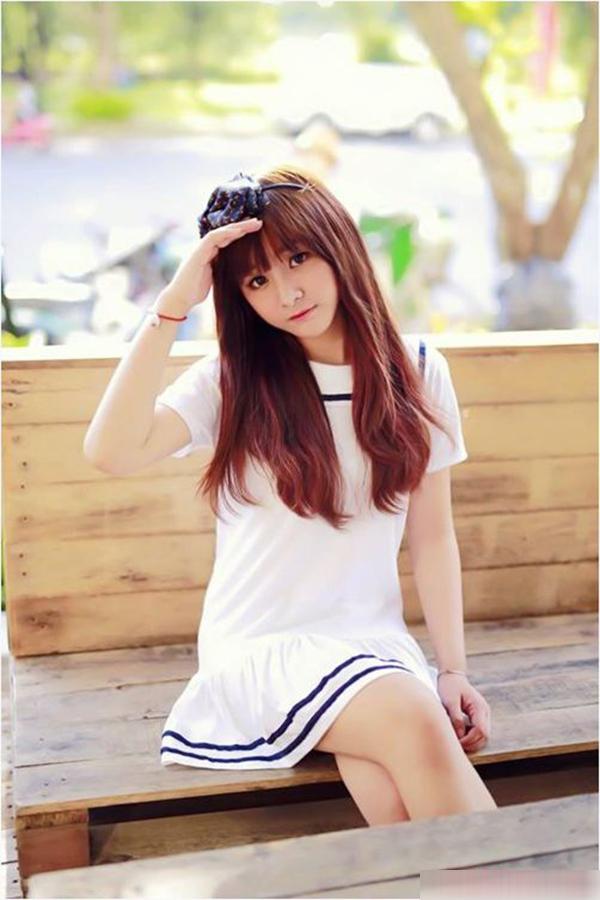 Là hotgirl của trường Quốc tế khi sở hữu vẻ đẹp trong veo, Phương Anh trông trẻ hơn tuổi đến mức cô nàng thường xuyên bị nhầm là học sinh cấp hai hoặc con nít.