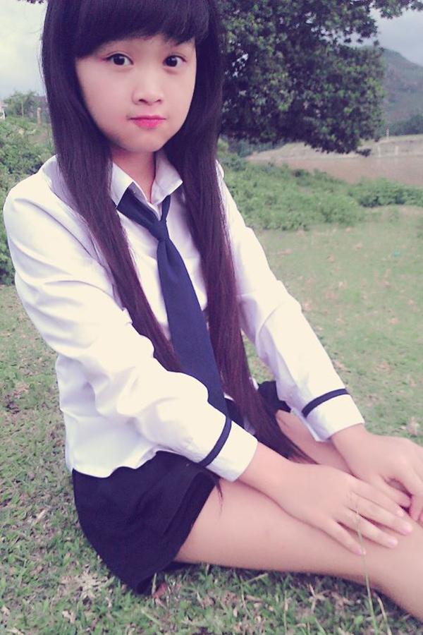 Mặc dù mới tham gia mạng xã hội nhưng cô bạn Hà Thương đã gây được sự chú ý đặc biệt của cư dân mạng. Khuôn mặt baby cùng với sự nhẹ nhàng và nhí nhảnh của cô luôn được cộng đồng mạng yêu quý.