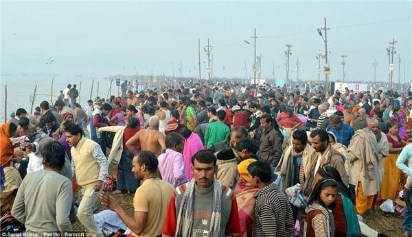 Lễ hội thu hút hàng trăm triệu người tham gia.