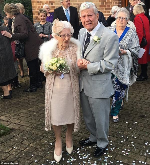"""Haicụ đã trở thành """"một trong hai cặp đôi nhiều tuổi nhất thế giới"""". Ảnh: Internet"""