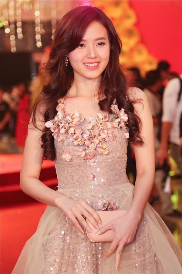Hậu tái hợp Phan Thành, Midu xuất hiện vô cùng xinh đẹp - Tin sao Viet - Tin tuc sao Viet - Scandal sao Viet - Tin tuc cua Sao - Tin cua Sao