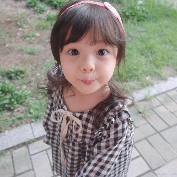 Đôi mắt Jae-eun thật sự rất to và vô cùng thu hút. (Ảnh: Internet)