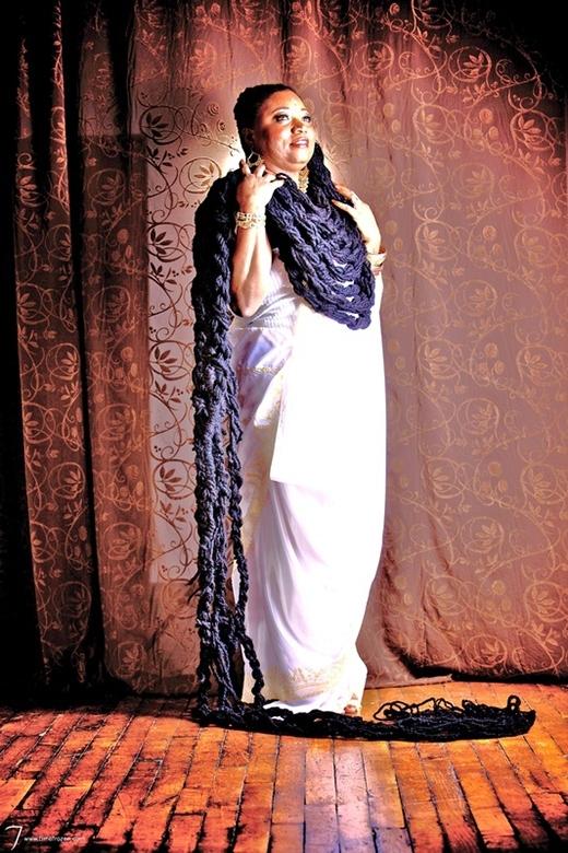"""Bộ tóc """"khủng"""" của Asha được nuôi suốt nhiều năm trời. (Ảnh: Internet)"""