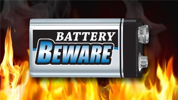 Lưu trữ pin không đúng cách có thể gây cháy nổ. (Ảnh: Internet)