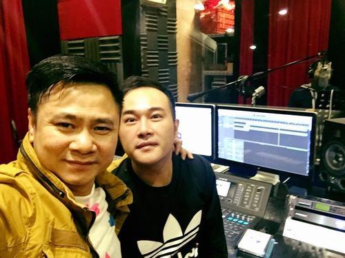 Tự Long và Quang Thắng đã có mặt tại phòng thu của ca sĩ Minh Quân để thực hiện thu những ca khúc chế trong chương trình Táo Quân 2016. - Tin sao Viet - Tin tuc sao Viet - Scandal sao Viet - Tin tuc cua Sao - Tin cua Sao