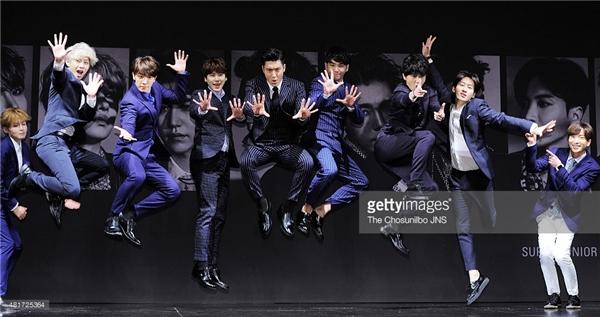 Dù hiện nay đã là đàn anh của làng nhạc xứ kim chi nhưng các thành viên Super Junior chưa bao giờ đánh mất sự trẻ trung, năng động và hài hước của mình.