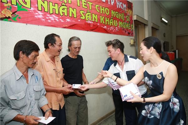 Với mỗi lần tổ chức, chương trình đều có mục đích giúp đỡ người nghèo, đặc biệt là các nghệ sĩnghèo neo đơn hoặc những hoàn cảnh nghệ sĩhiểm nghèo đang cần sự hỗ trợ trước mắt. - Tin sao Viet - Tin tuc sao Viet - Scandal sao Viet - Tin tuc cua Sao - Tin cua Sao