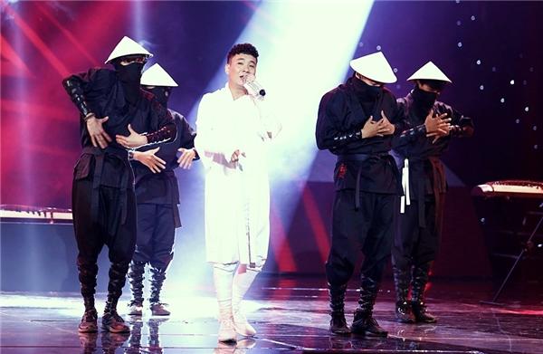 Justa Tee mang phong cách Nhật Bản lên sân khấu The Remix 2016. - Tin sao Viet - Tin tuc sao Viet - Scandal sao Viet - Tin tuc cua Sao - Tin cua Sao
