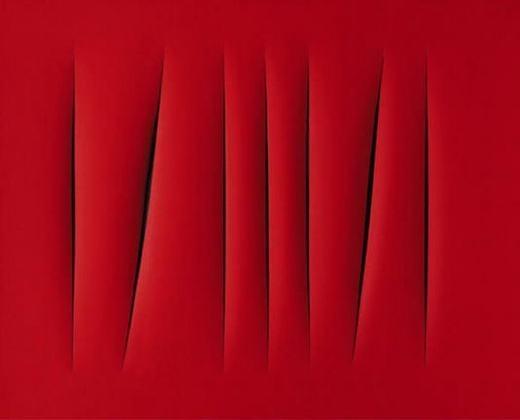 """Bức """"Concetto Spaziale, Attesa"""" của danh họa Lucio Fontana. Nó được vẽ dựa trên nền có màu sắc duy nhất, sau đó họa sĩ sẽ rạch các đường lên mặt tranh. Trị giá bức tranh này là 1,5 triệu USD(khoảng33,5 tỉ đồng)."""