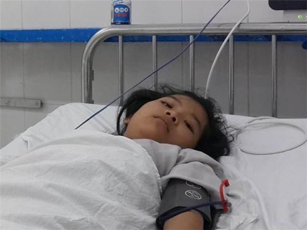 Hà Thị Hải Hậu nằm điều trị tại bệnh viện. Ảnh: N.A.
