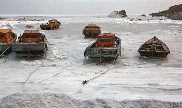 Các dòng sông ở Trung Quốc bị đóng băng do nhiệt độ xuống thấp. Ảnh: Internet