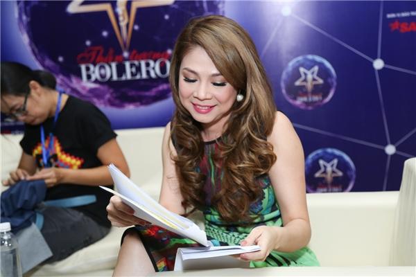 Đảm nhận vai trò MC của chuơng trình là Thanh Bạch và nữ ca sĩ Thanh Thảo - Tin sao Viet - Tin tuc sao Viet - Scandal sao Viet - Tin tuc cua Sao - Tin cua Sao