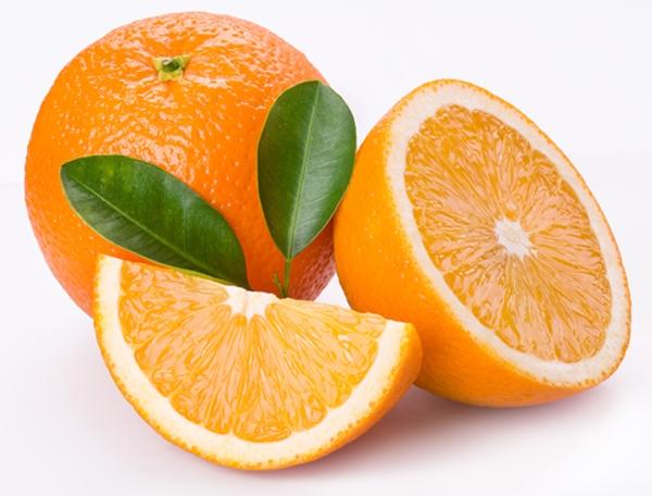 """Người xưa tin rằng đặt một quả cam trên giường có tác dụng """"trừ khử tà khí, đem lại may mắn, sức khỏe"""". (Ảnh: Internet)"""