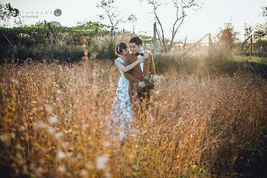 Những hình ảnh chụp giữa đồng hoa rất lãng mạn.(Ảnh: Internet)