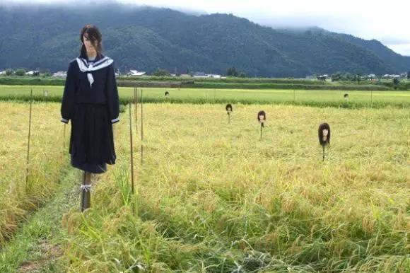 Bù nhìn nữ sinh đáng sợ ở Nhật Bản. (Ảnh: Internet)
