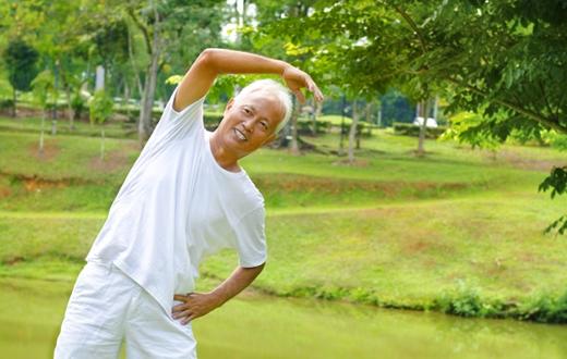 Thường xuyên tập thể dục để cơ thể khỏe mạnh, tránh bệnh tật.(Ảnh: Internet)