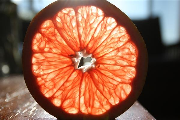 Bưởi là loại trái cây tốt cho dạ dày và răng miệng.(Ảnh: Internet)