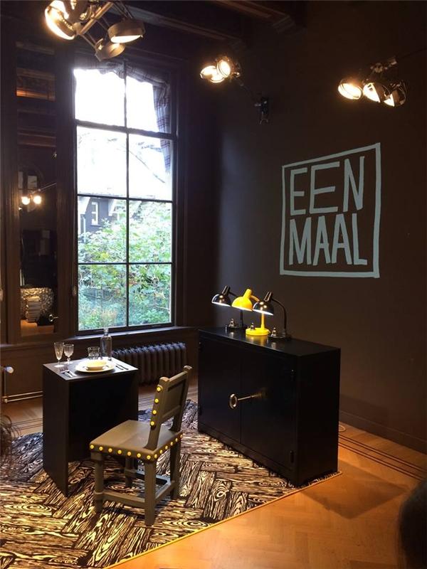 Không gian ấm cúng, trang nhã và đơn giản cũng chính là điểm cộng lí tưởng của Eenmaal.(Ảnh: Internet)