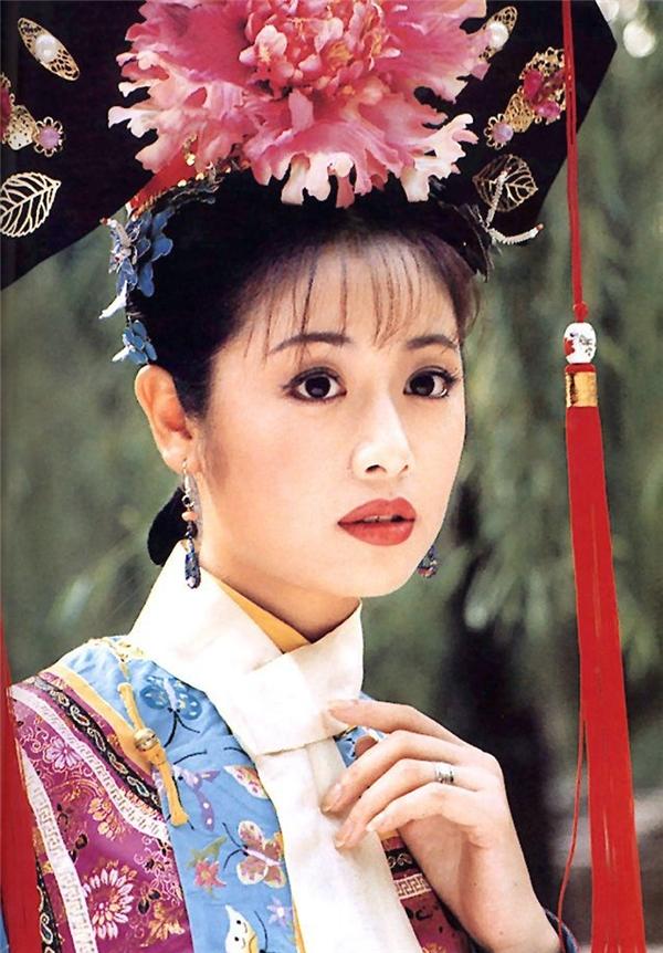 Lâm Tâm Như trẻ trung như gái đôi mươi trong tiệc sinh nhật 40 tuổi