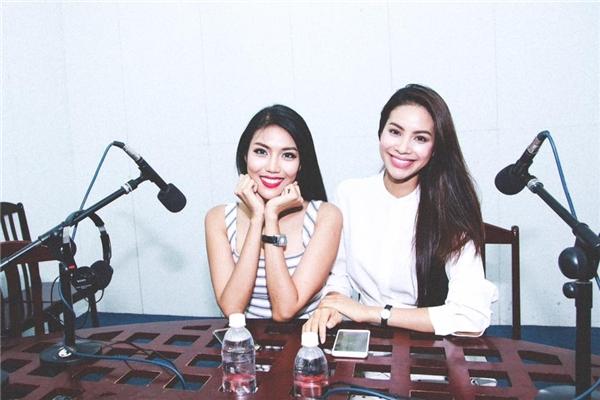Hai cô gái thành công của showbiz Việt rạng rỡ bên nhau. - Tin sao Viet - Tin tuc sao Viet - Scandal sao Viet - Tin tuc cua Sao - Tin cua Sao