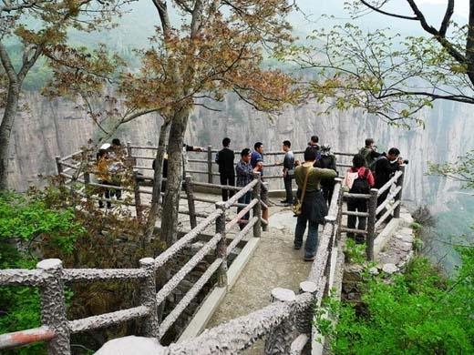 Làng Guo Liang đã trở thành một địa điểm du lịch bật nhất Trung Quốc.(Ảnh: Internet)
