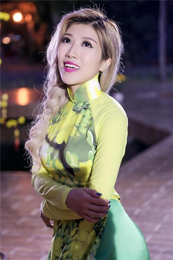 Trang Pháp cho biết đây là lần đầu tiên cô thể hiện một ca khúc của Dương Khắc Linh. - Tin sao Viet - Tin tuc sao Viet - Scandal sao Viet - Tin tuc cua Sao - Tin cua Sao
