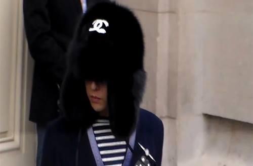 G-Dragon xuất hiện